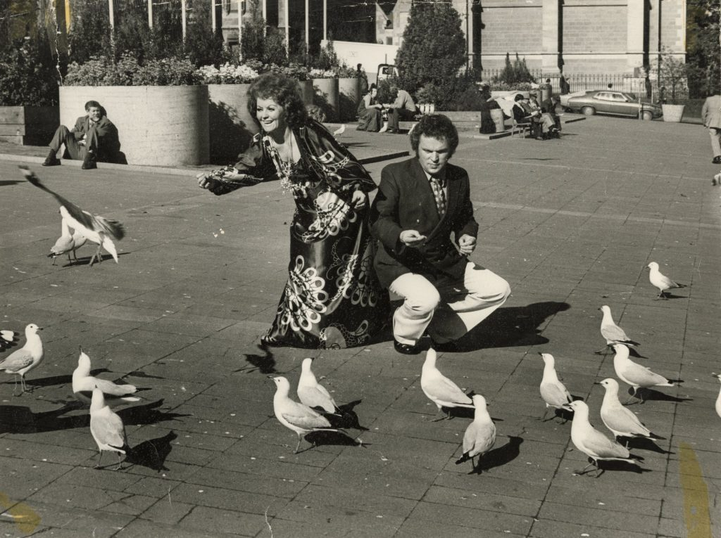 FEIP performers with seagulls