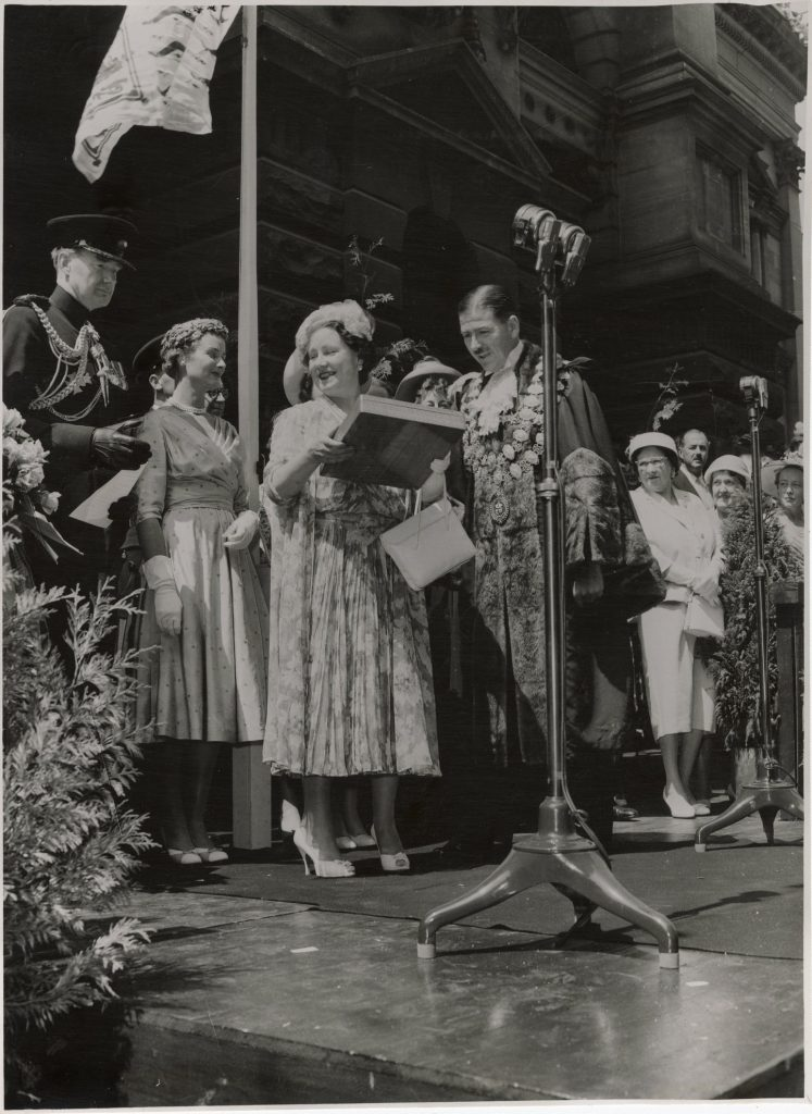 Image of Queen Elizabeth the Queen Mother at the 1958 Moomba Parade