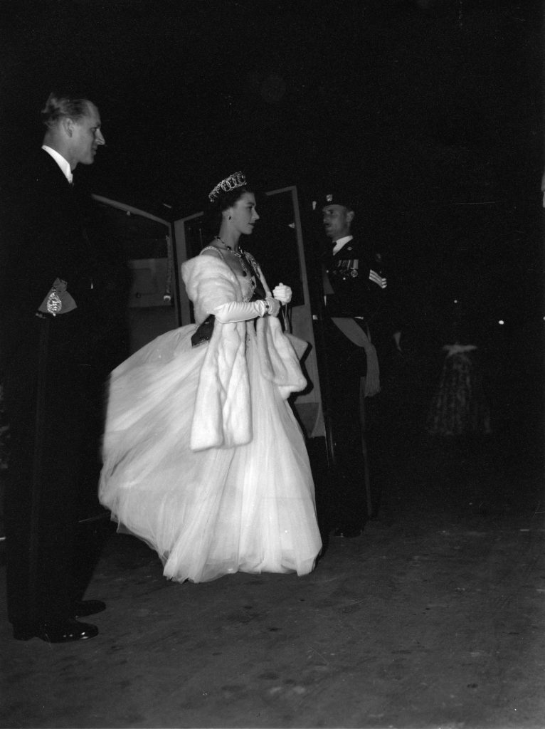 Image of Queen Elizabeth II's arrival at the Exhibition Building for the Royal Ball