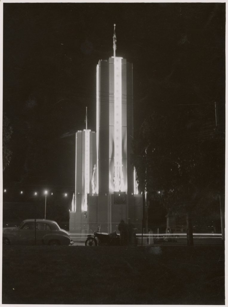 Illuminated decorations for the 1954 royal visit