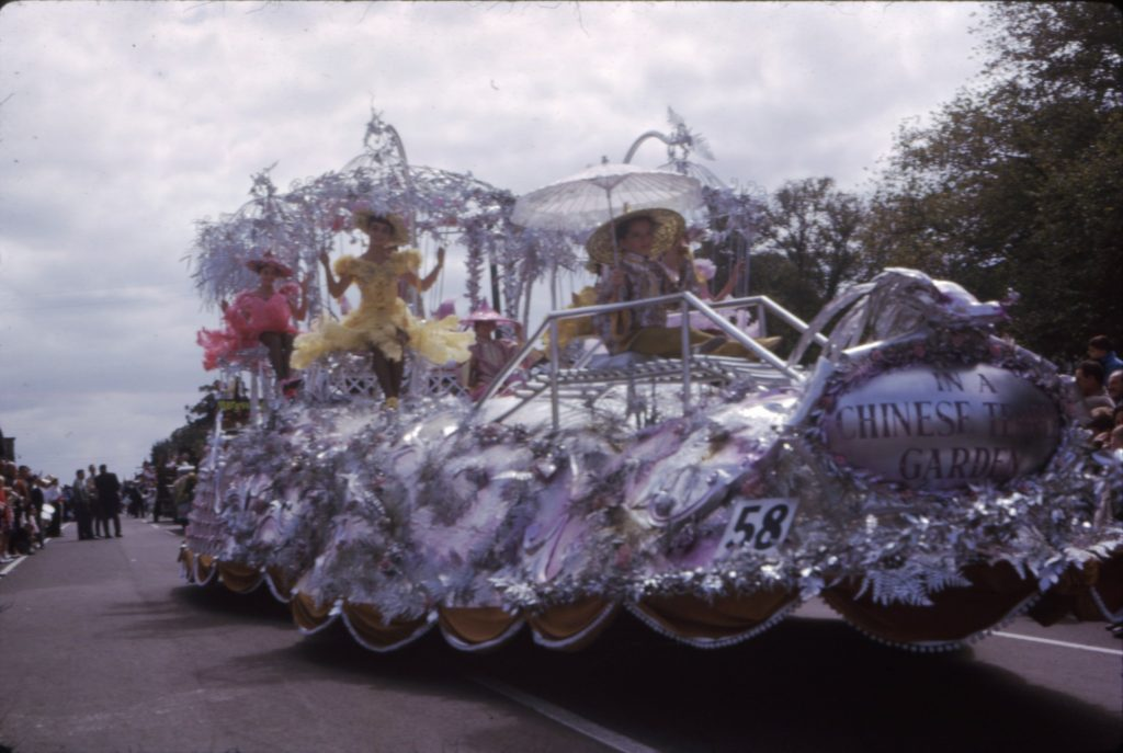 Retail Traders Association of Victoria float, 1964 A