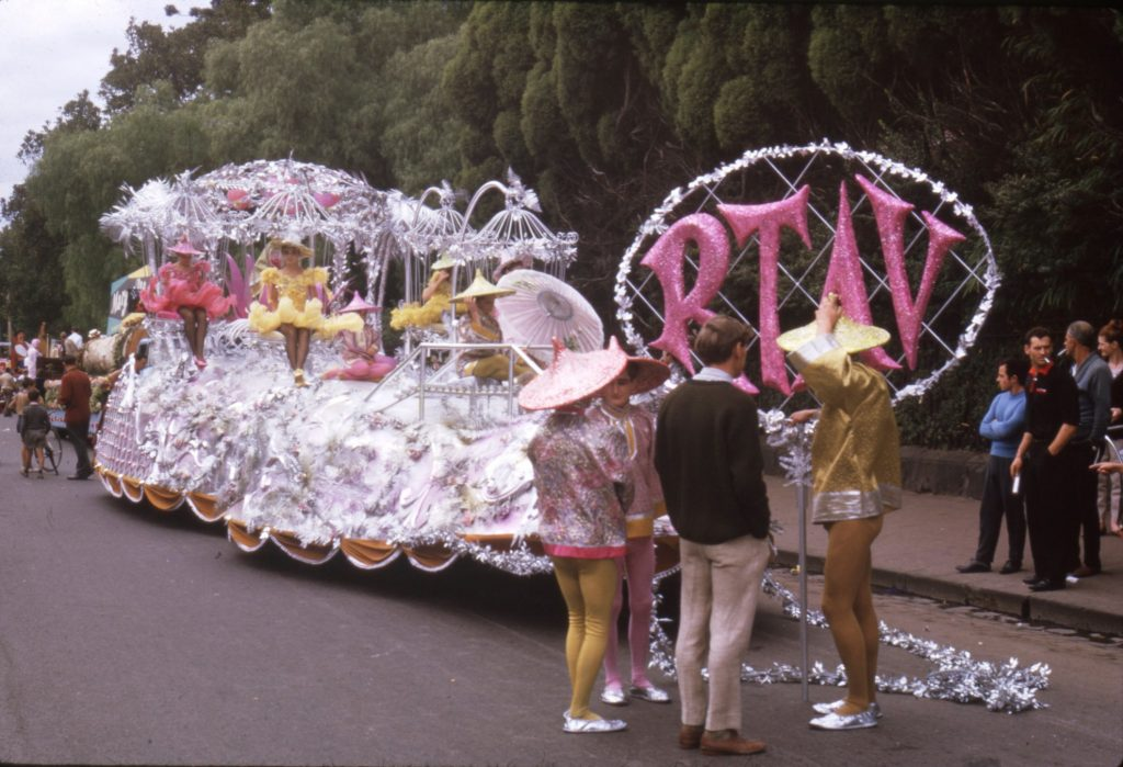 Retail Traders Association of Victoria float, 1964